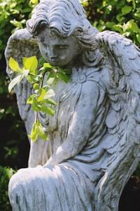 angel-1375589__340